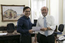 Reitor Prof. Cândido empossando Prof. Edgar Maçal como Diretor da STI